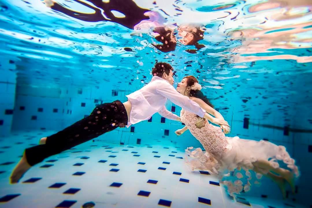Chụp ảnh cưới dưới nước