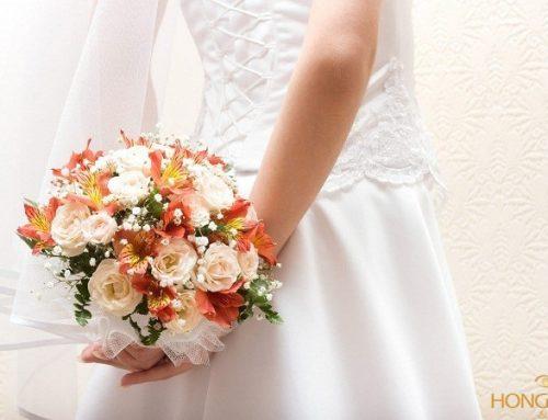 Chụp ảnh cưới ở đầm sen Tây Hồ