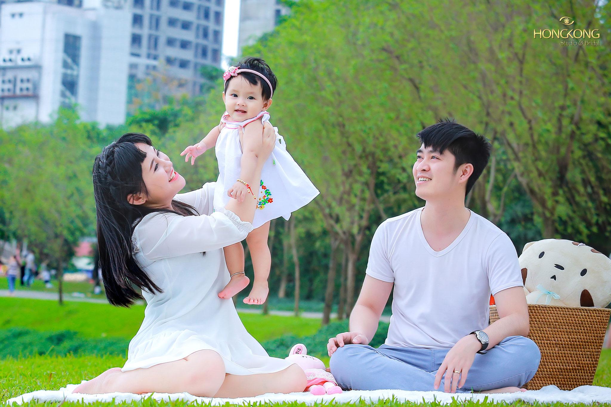 ... đường tàu điện chạy quanh co, \u2026 công viên Thống Nhất chính địa điểm lý tưởng để thực hiện mong muốn có album ảnh chụp gia đình bên nhau hạnh phúc.