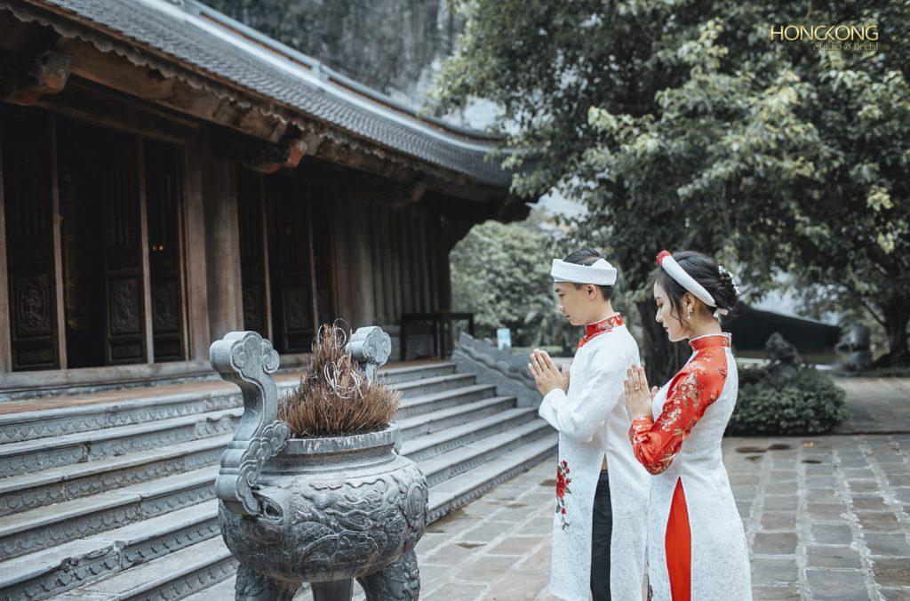 Ảnh 17 kiến trúc cổ kính của Hành Cung Vũ Lâm phù hợp với trang phục áo dài truyền thống