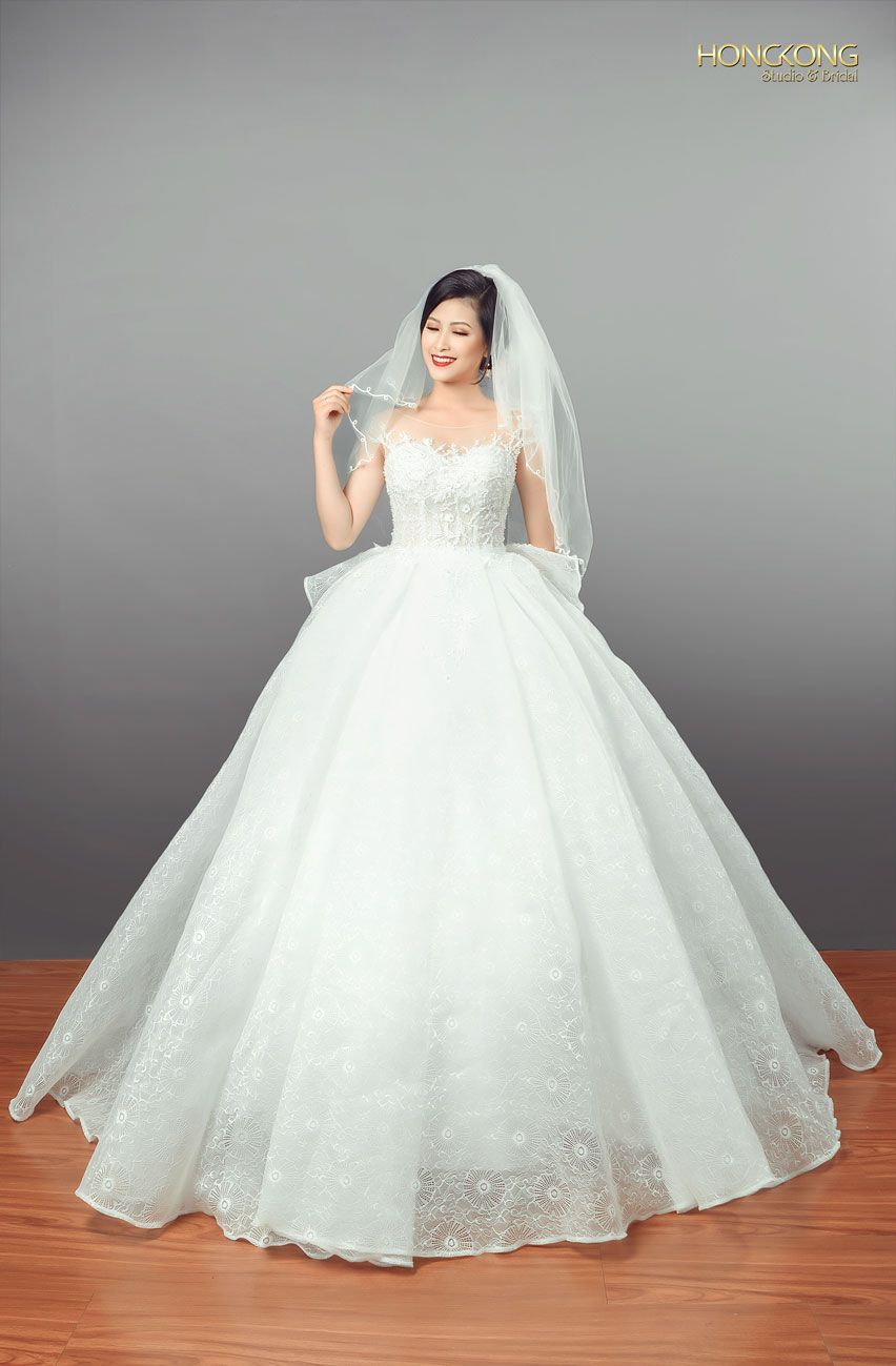chọn váy cưới đẹp dáng quả táo 1