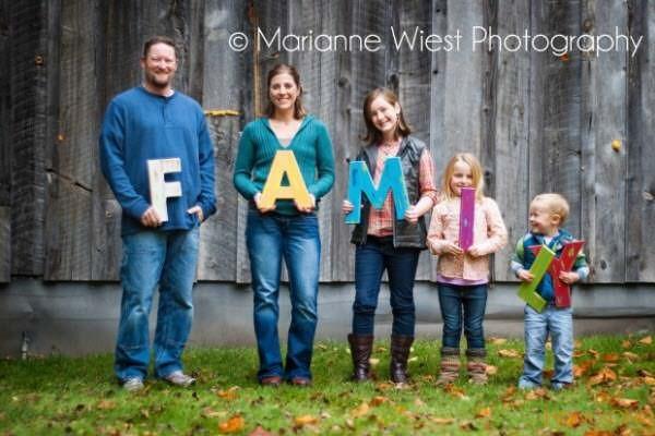 chụp ảnh gia đình ghép chữ