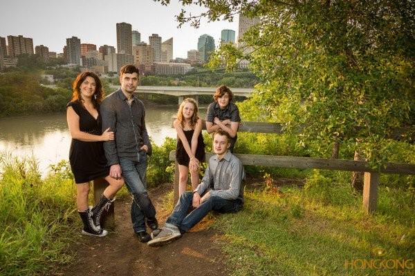 chụp ảnh gia đình tách đầu