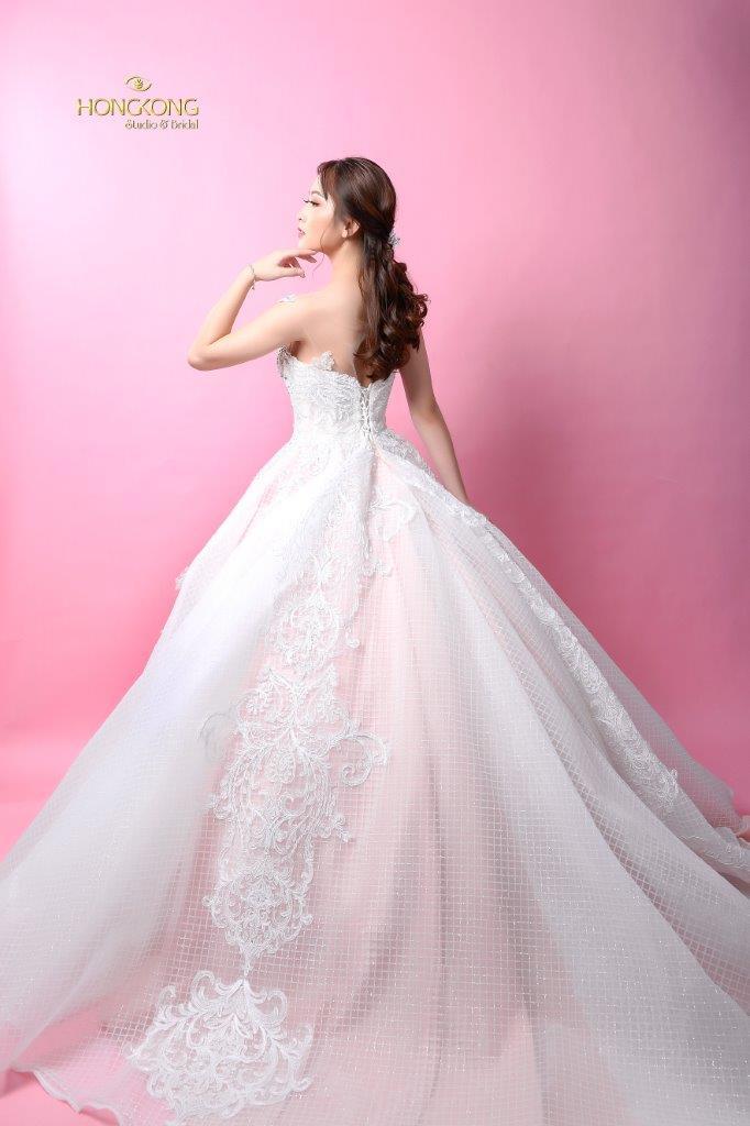 Chọn trang phục đám cưới