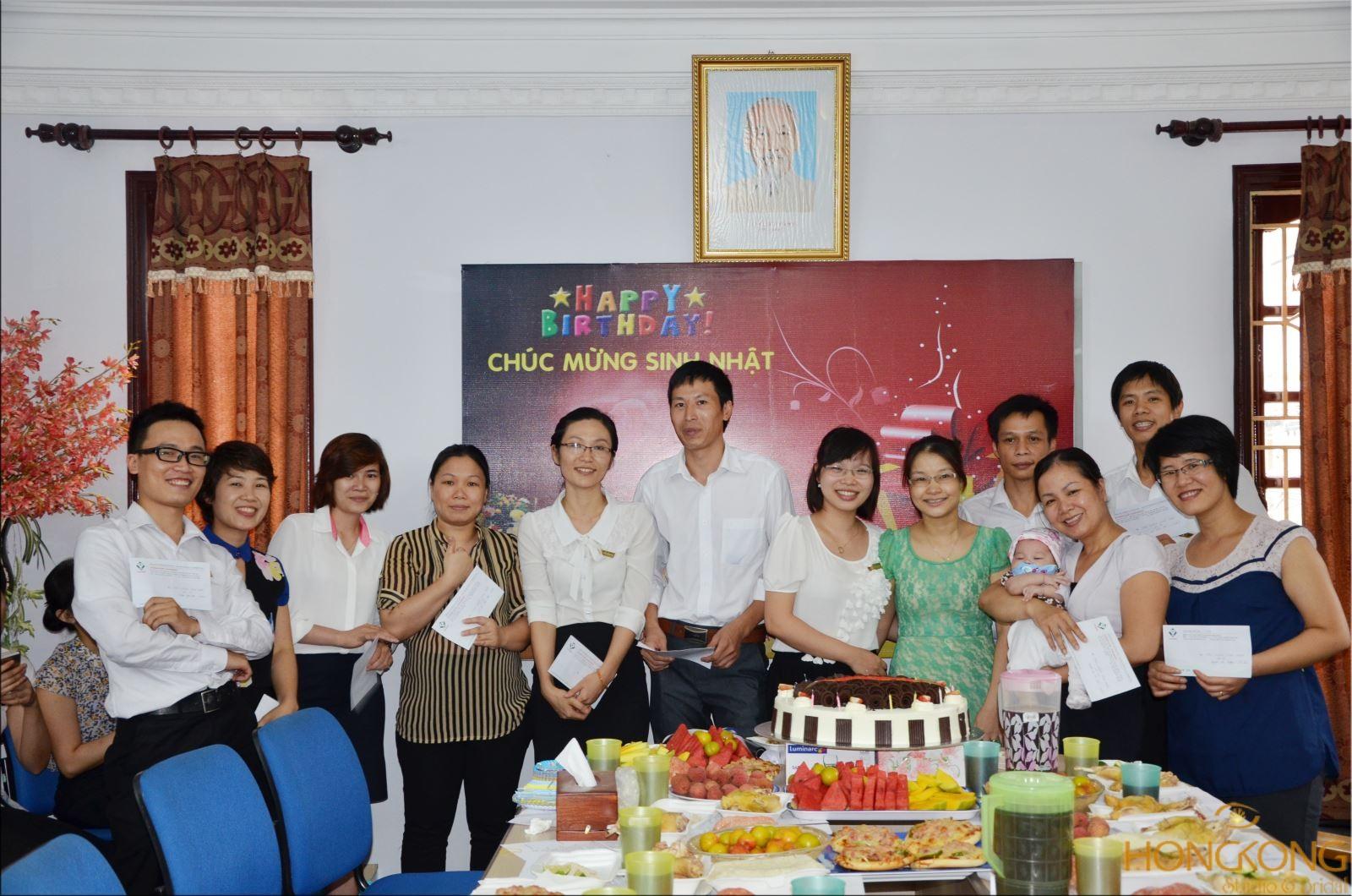 chụp ảnh sinh nhật công ty