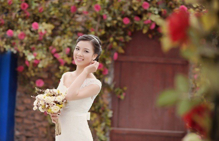 tạo dáng chụp ảnh cưới